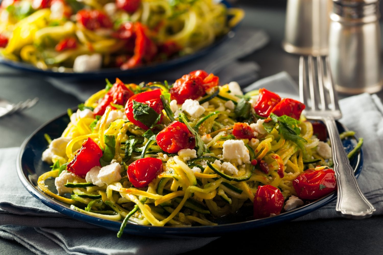 Mediterrane Zucchini- Spaghetti